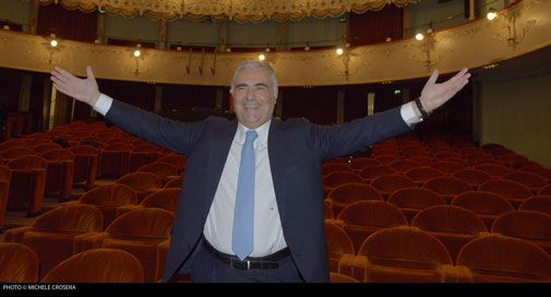 Teatro Del Monaco e sofà