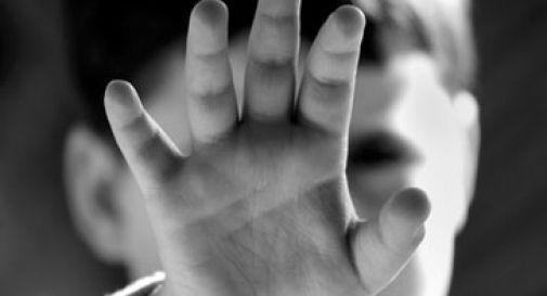 Violenza sessuale continuata su due nipoti minorenni, espulso dall'Italia