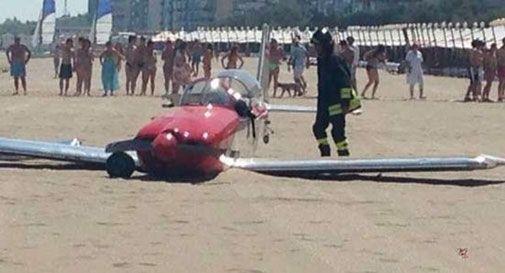 Atterraggio d'emergenza sulla spiaggia di Venezia