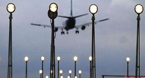 Risucchiato e ucciso dal motore dell'aereo, tragedia a Mumbai