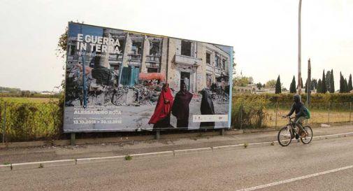 La guerra non è finita: maxi affissioni sulle strade di Vittorio Veneto
