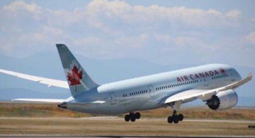 Turbolenze su volo Shanghai-Toronto: 21 feriti tra cui 3 bambini