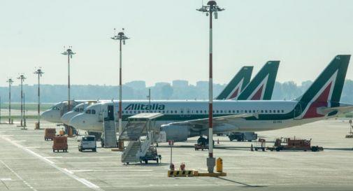 Alitalia, lavoratori bloccano Roma-Fiumicino: 8 gli agenti feriti
