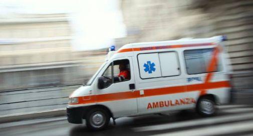 Terribile frontale tra due auto, due feriti finiscono in ospedale