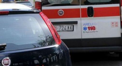 Uomo trovato morto nella propria abitazione, presenta diverse ferite da taglio