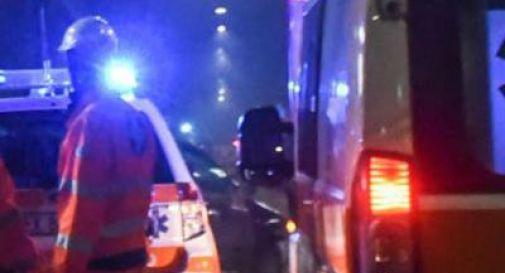 Tragico incidente tra cinque veicoli, uomo perde la vita