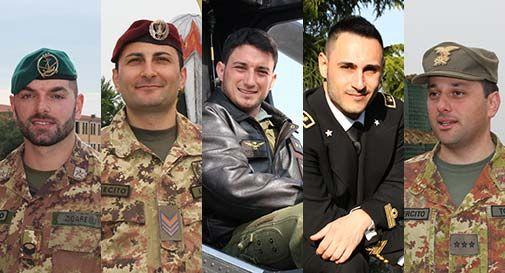 giovani ragazzi militari italiani