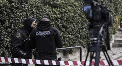 Giornalista ucciso ad Atene, sparati almeno 17 colpi