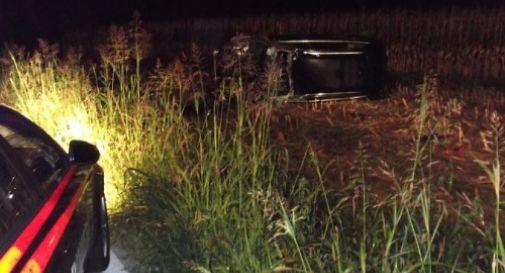 Ragazzina di 16 anni sfugge ai carabinieri con l'auto del padre