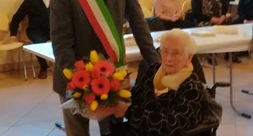 Auguri a nonna Angela di Vazzola, che ha compiuto 100 anni