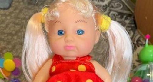 Bambola transgender in vendita, genitori in rivolta