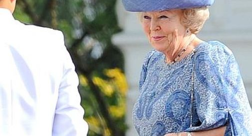 Olanda, la regina Beatrice abdica in favore del figlio Willem Alexander