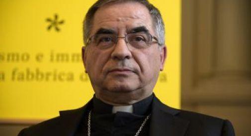 Becciu, fondi e incarichi ai fratelli dietro dimissioni chieste dal Papa