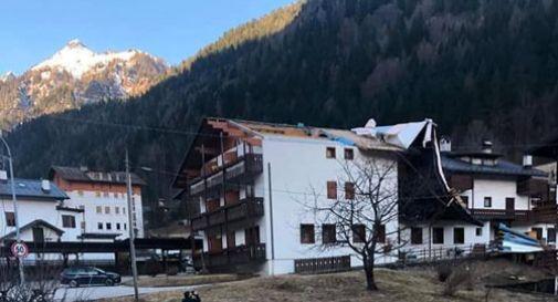 Forte vento nel bellunese: scoperchiato il tetto di un albergo