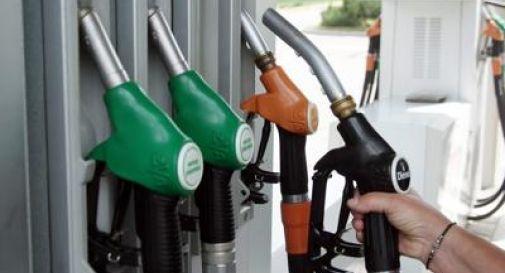 Benzina e diesel, ancora ribassi