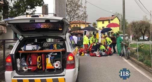 Malore fatale mentre è in sella alla bicicletta, donna perde la vita