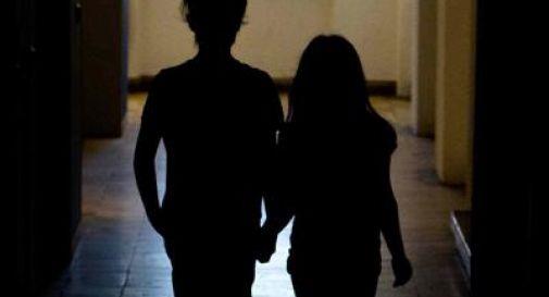 Abusava di figlia e nipote minorenni, arrestato 44enne