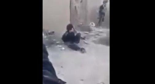 Video shock mostra militari iracheni che giustiziano un bambino