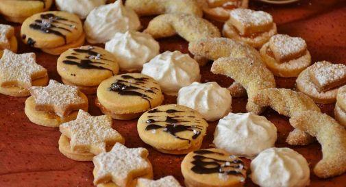 Biscotti fatti in casa al matrimonio, ospiti intossicati finiscono in ospedale