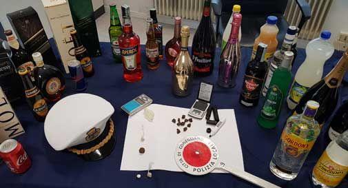 Maxi blitz dei vigili in un locale di Conegliano: hashish, coca ed eroina dietro la consolle del dj