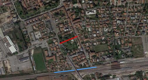Progetto viabilità in Borgo Pieve: linea rossa (bretella prevista); linea azzurra (progetto non realizzabile)
