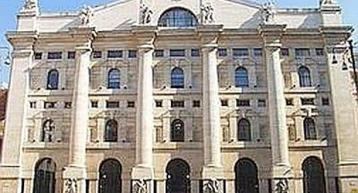 Piazza Affari chiude in forte ribasso, spred a 290
