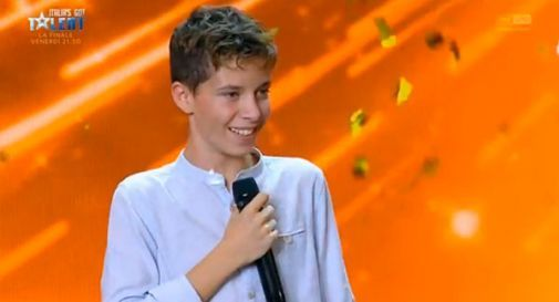 Francesco Carrer di Salgareda si aggiudica il secondo posto nella finale di Italia's Got Talent