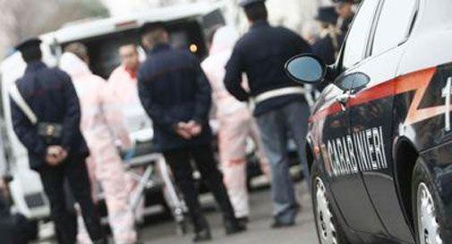Tragedia sfiorata a Cosenza: accoltella moglie malata e figlio, poi tenta il suicidio