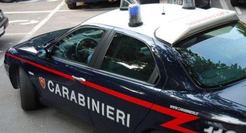Militare ubriaco si schianta, prende a calci la gazzella e insulta i carabinieri