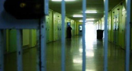 Mettono il trans nel carcere femminile, violenta le compagne di cella. Non aveva ancora completato l'operazione