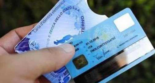 Arriva la carta d'identità elettronica a Pieve e Refrontolo, costa 22 euro