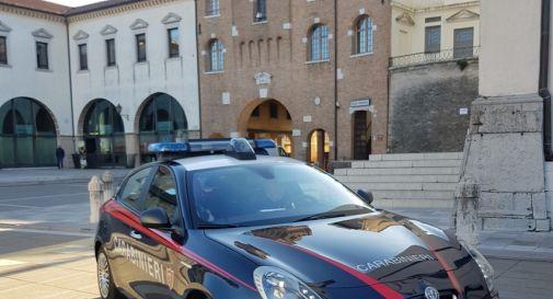 una pattuglia dei Carabinieri in centro a Oderzo