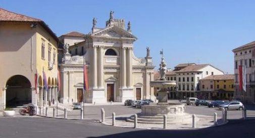 La polemica si sposta da Piazza Meschio a Piazza Duomo: