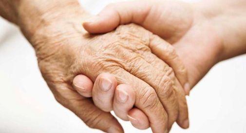 Le ingiurie degli anni. Il valore della solidarietà