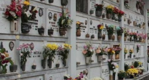 Furti nei cimiteri, il sindaco annuncia: «Videosorveglianza e più controlli da parte della Polizia locale»