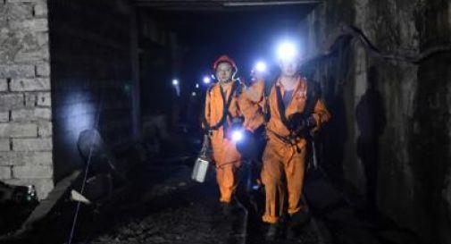 Cina:  Morti 33 minatori intrappolati per giorni
