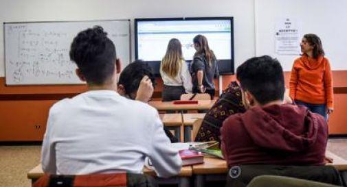 Un terzo di classe, due volte alla settimana: proposta dello Snals per arrivare a fine anno