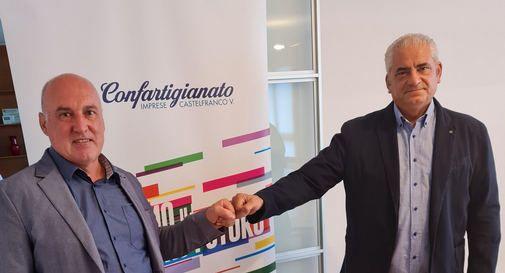 Passaggio testimone tra Oscar Bernardi (Presidente uscente) e Maurizio Cattapan (neo-eletto).