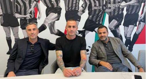 Alex Cordaz firma per l'Inter
