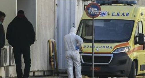 Covid Grecia, 21 deputati medici tornano a lavorare in ospedale