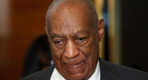 Il tribunale ha deciso, Bill Cosby verrà processato per stupro