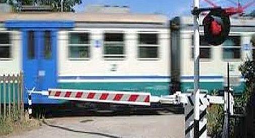 Investita da un treno, 15enne perde un braccio