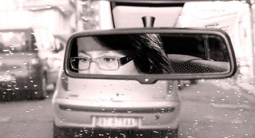 Incidenti stradali: al volante gli uomini sono più pericolosi delle donne