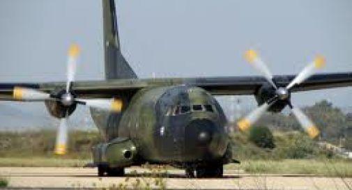 Aerei Da Caccia Ad Elica : Avaria e atterraggio d emergenza per l aereo militare