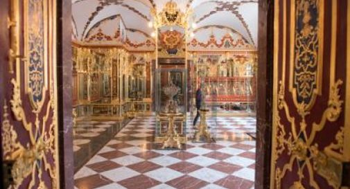Furto record nel castello, rubati gioielli dal valore inestimabile