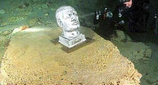 Mussolini imbullonato sul fondo del lago