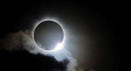 Eclissi di sole il 10 giugno, in Italia visibile solo al Nord