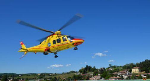 Incidente sul lavoro a San Vendemiano, uomo soccorso dall'elicottero e trasportato a Treviso