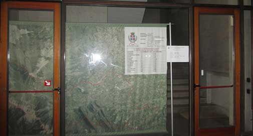 Arrivano gli Alpini, ma le vetrine di Vittorio Veneto rimangono spoglie