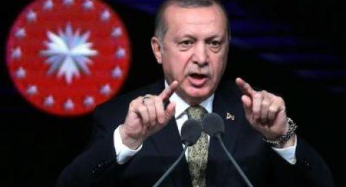 Erdogan minaccia: